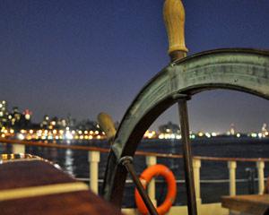 Sailing, Manhattan Twilight Tall Ship Discovery Cruise - New York