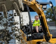 Drive An Excavator, Las Vegas - 90 Minutes