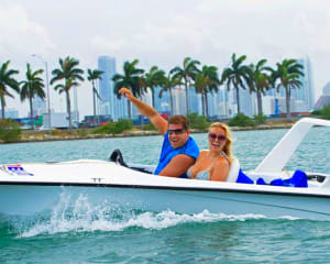 Scenic Speed Boat Tour Miami - 90 Minutes