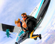 Skydiving Chicago - WEEKEND SPECIAL - 18,000ft Jump (FREE ROUND TRIP SHUTTLE FROM DOWNTOWN CHICAGO INCLUDED!)