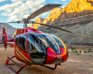 Grand Canyon Helicopter Tour with West Rim Landing and Champagne Picnic, King of Canyons Adventure - 3.5 Hours (INCLUDES LIMO HOTEL TRANSFER)