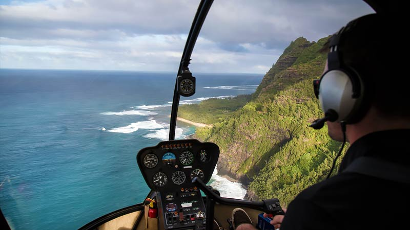 Helicopter Tour Maui, Doors Off West Maui and Molokai - 45 Minutes